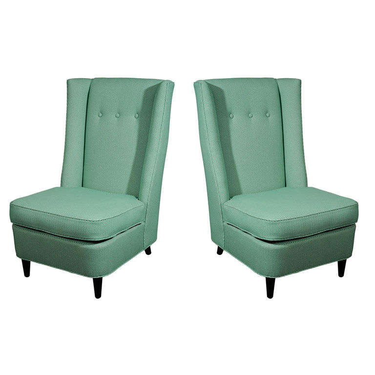 Merveilleux Pair Of High Back Slipper Chairs By Paul László For Sale