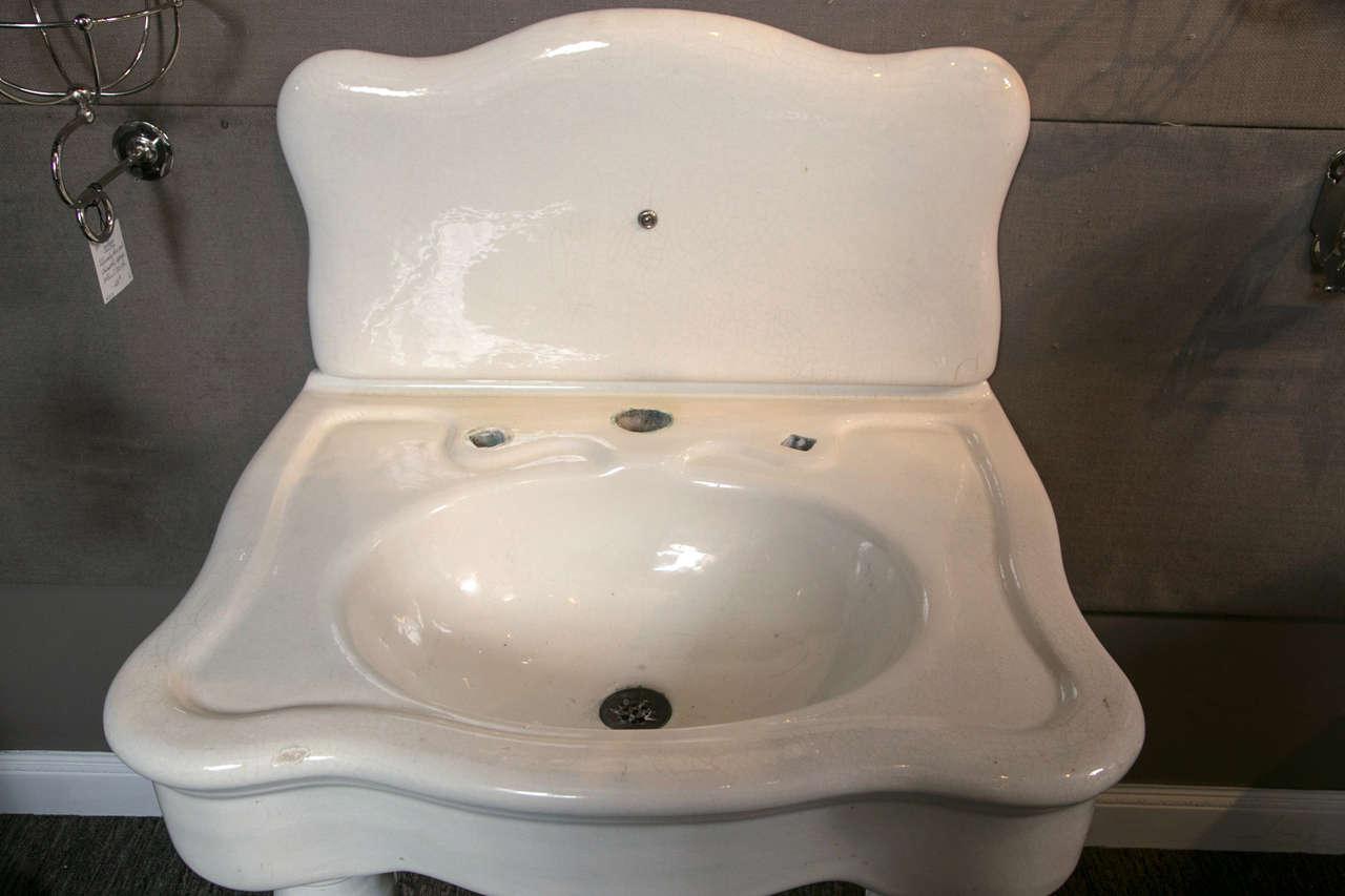 18th Century and Earlier JL Mott Earth ware Bath Sink For Sale