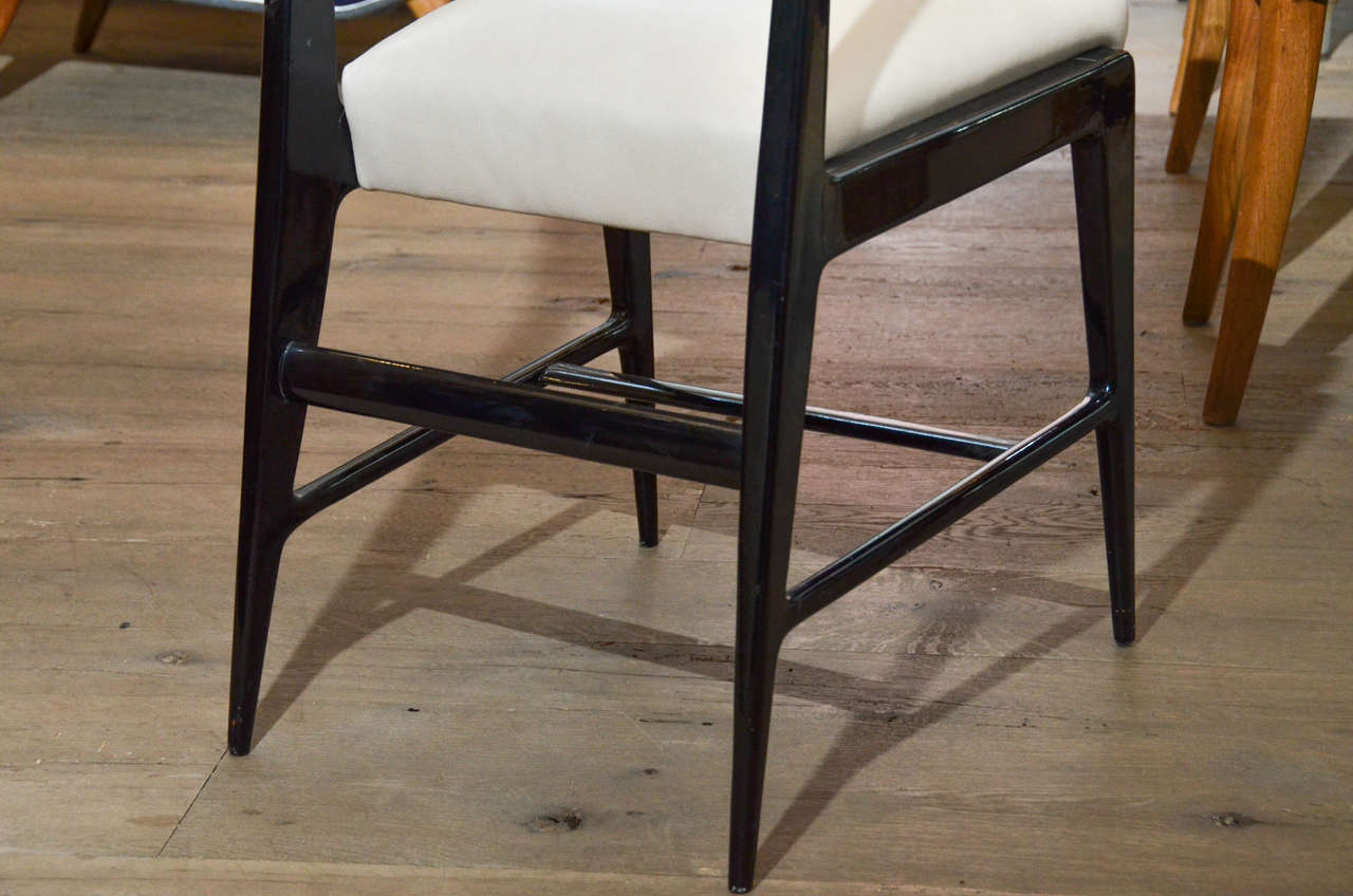 Italian Pair of Occasional Chairs Attributed to Gio Ponti For Sale