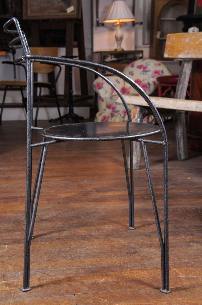 Etonnant Mid Century Modern Pair Of Powder Coated Lune Du0027Argent Metal Armchairs For