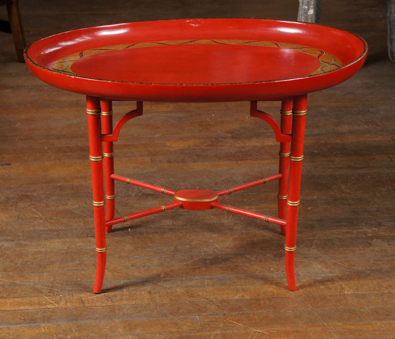 English Scarlet & Gilt Wooden Tray On Later Faux Bamboo Stand In Excellent Condition For Sale In Hudson, NY