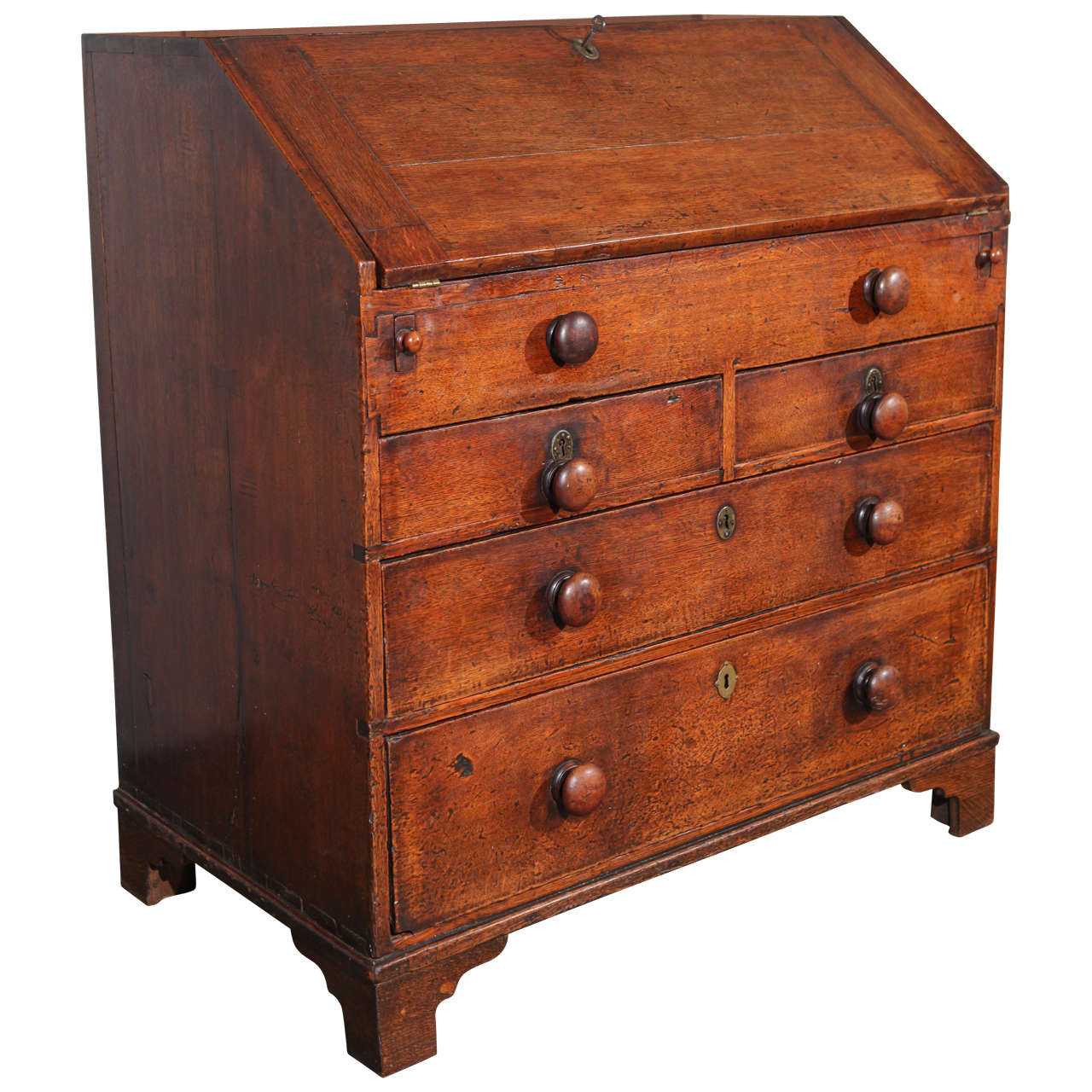 george ii bureau or slant front desk for sale at 1stdibs. Black Bedroom Furniture Sets. Home Design Ideas