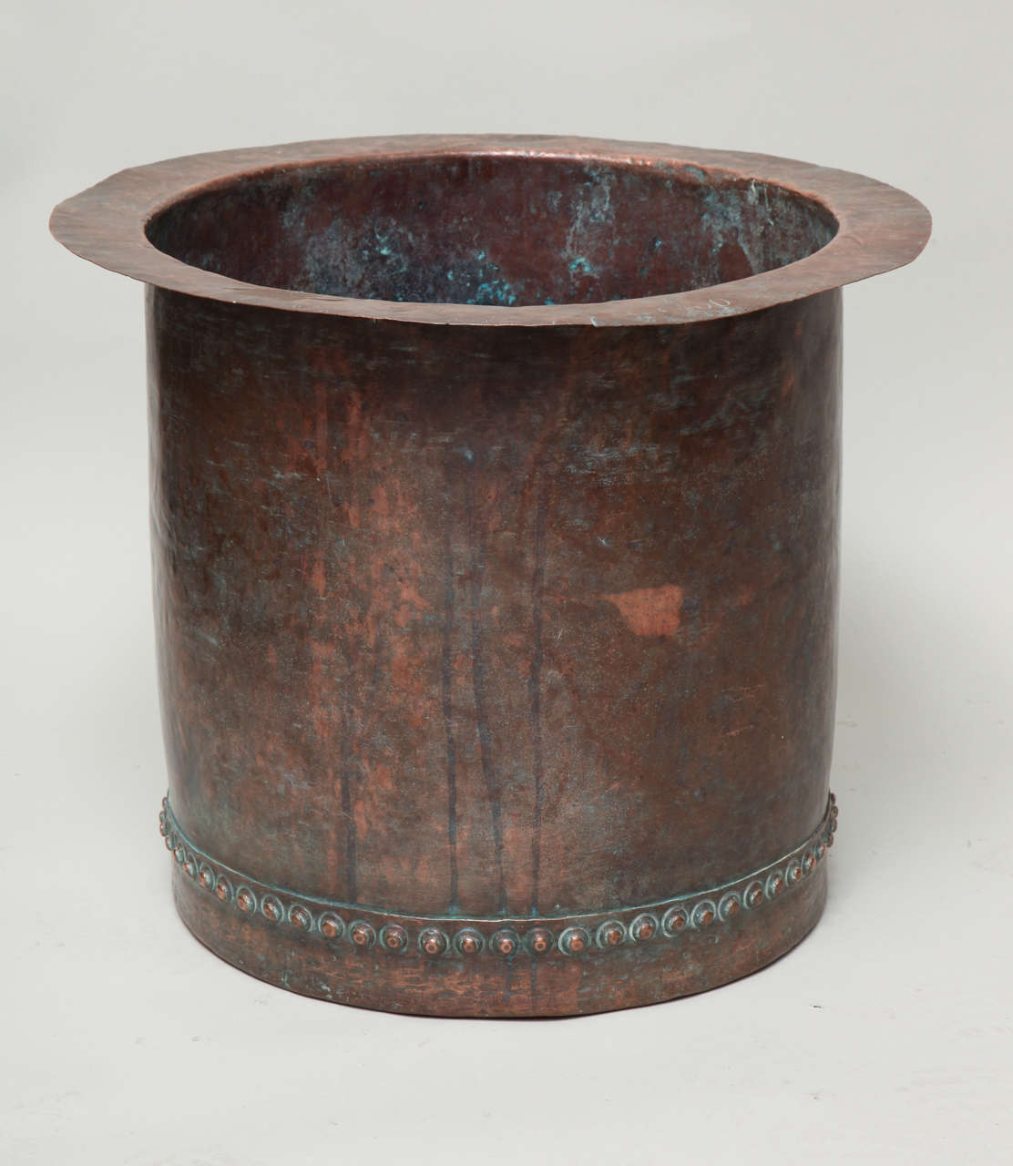 Fantastic Riveted Copper Early 19th Century Oversize Log Bin In Good Condition For Sale In New York, NY