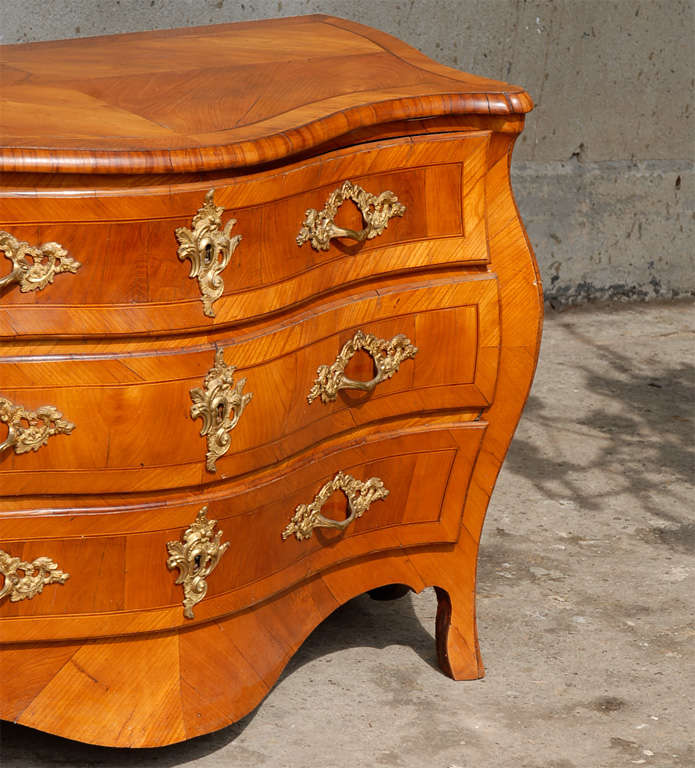 Carved 18th Century Swedish Period Rococo Serpentine Wood Three-Drawer Chest For Sale