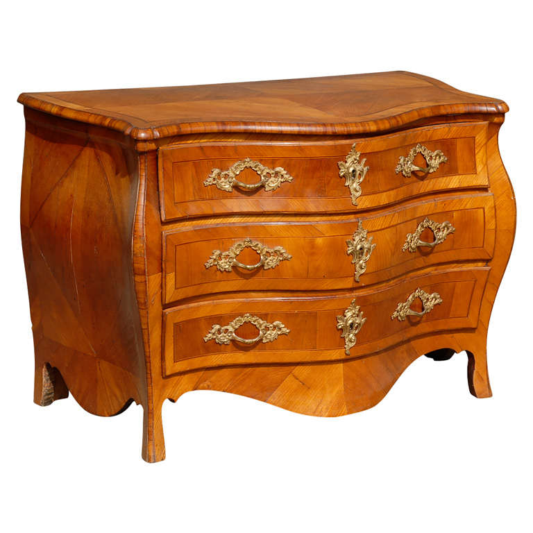 18th Century Swedish Period Rococo Serpentine Wood Three-Drawer Chest For Sale