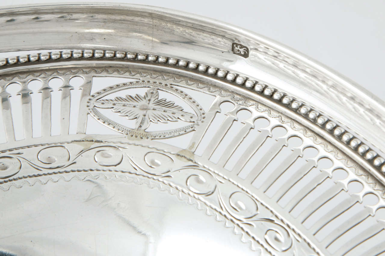 George III Sterling Silver Cake Basket For Sale 3
