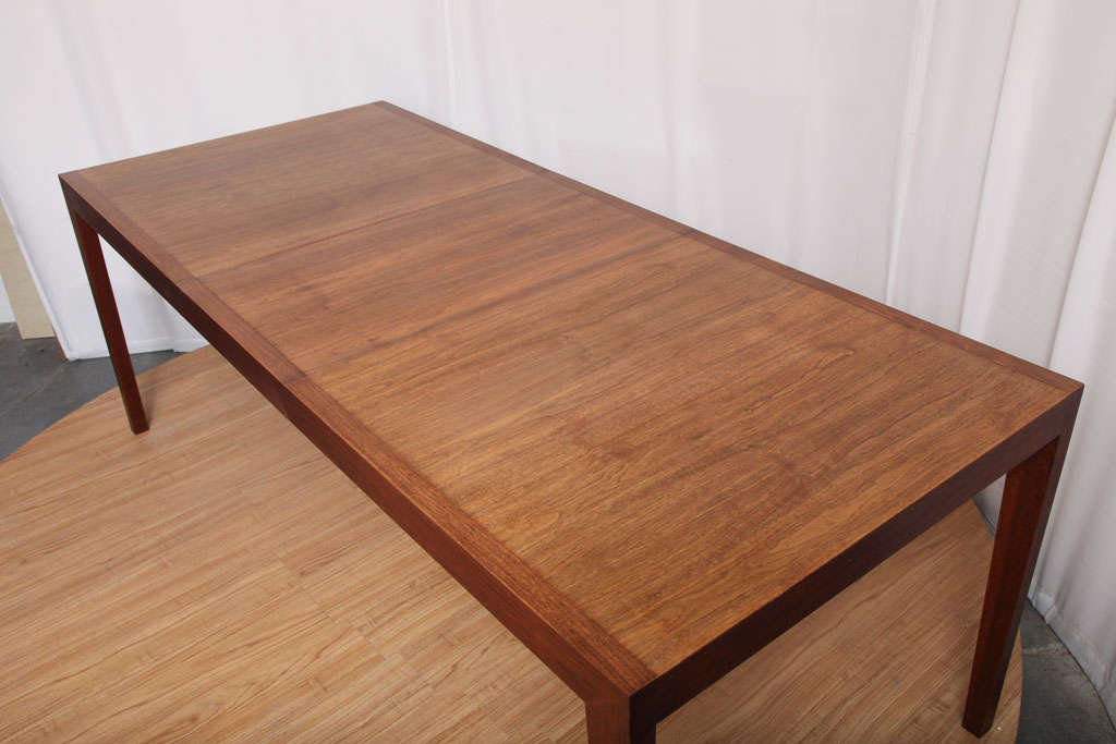 20th Century Walnut Dining Table by Knoll For Sale