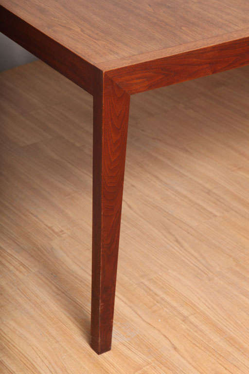 Walnut Dining Table by Knoll For Sale 3