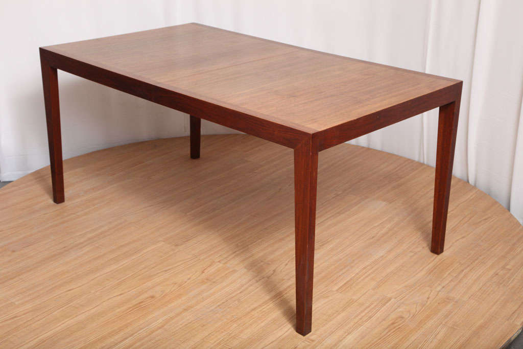 Walnut Dining Table by Knoll For Sale 4