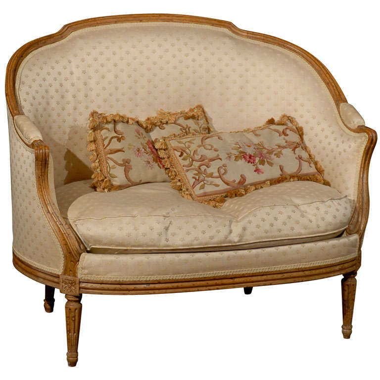 Small french settee at 1stdibs for Small settee