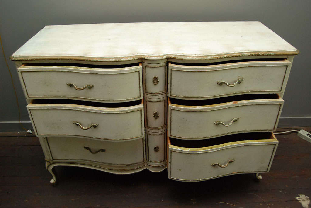 Louis XV Provincial Style Painted Dresser In Good Condition For Sale In Great Barrington, MA