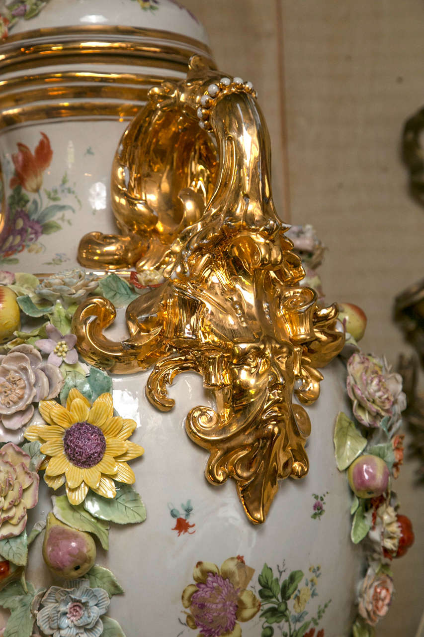 Fantastic Pair of Meissen Style Covered Urns In Good Condition For Sale In Woodbury, CT