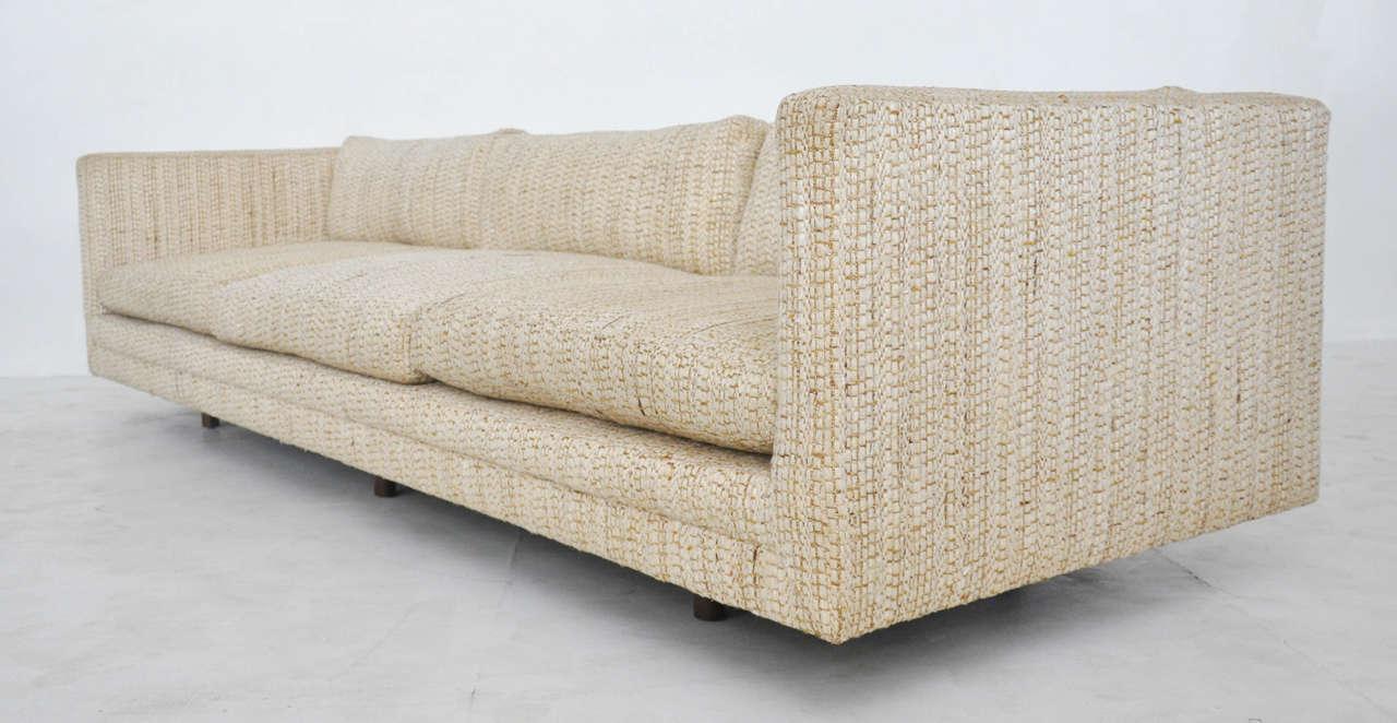 Etonnant Tuxedo Sofa By Harvey Probber. Original Upholstery Circa 1950s.