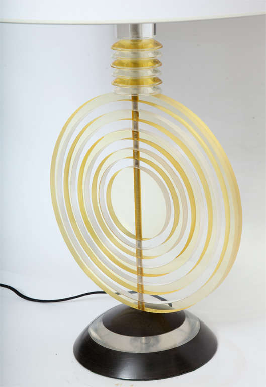 Polished Table Lamp American Modernist Sculptural Lucite Concentric Circles, 1930s For Sale