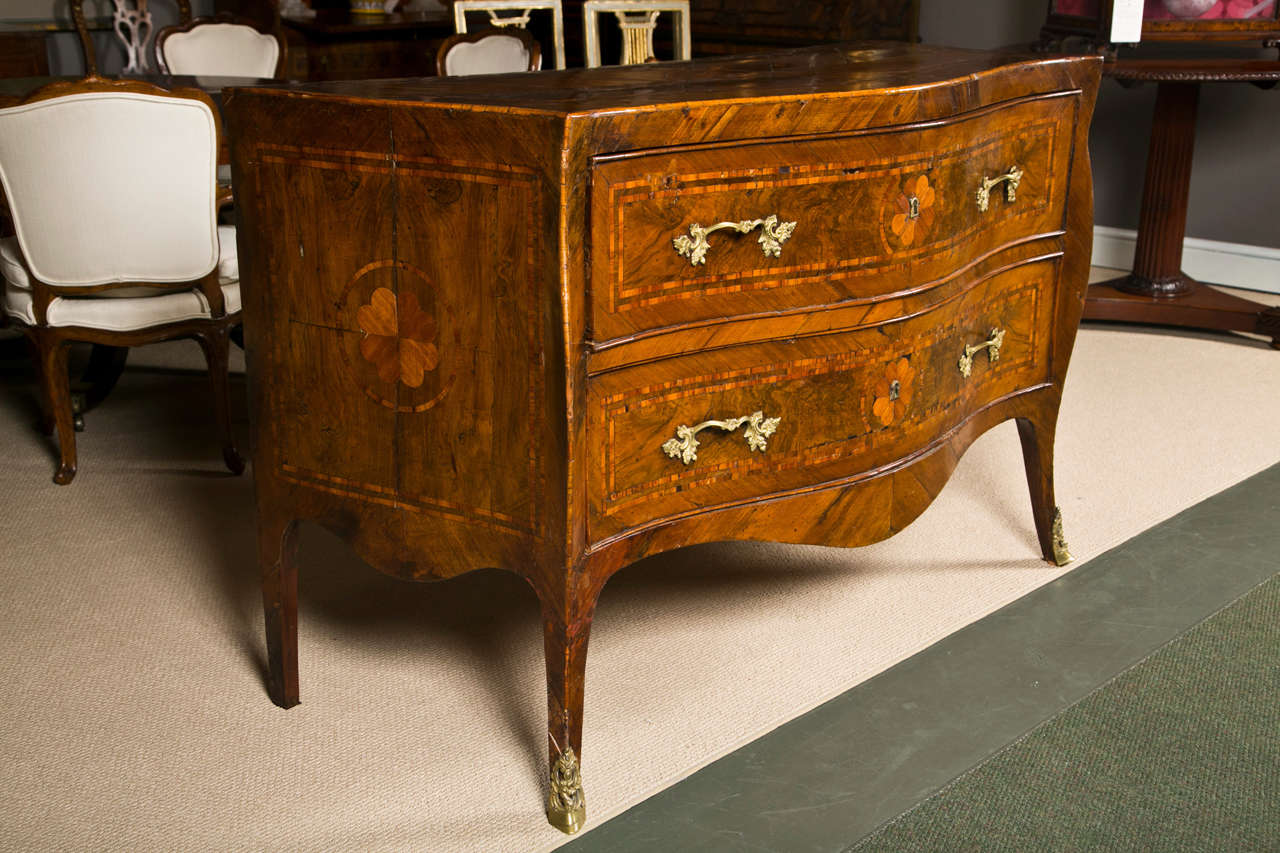 18th Century and Earlier Italian Rococo Neapolitan Chest of Drawers, Commode, 18th Century For Sale