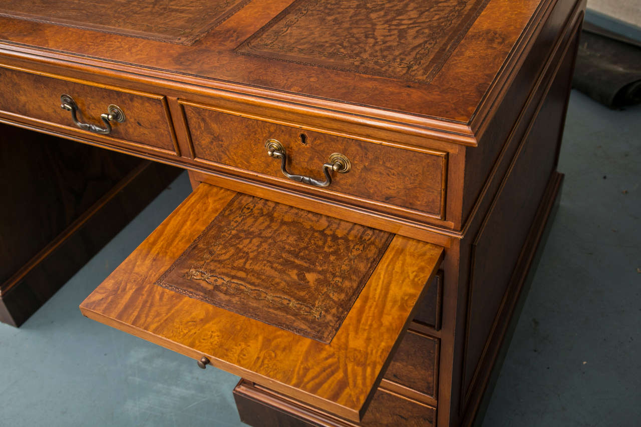 Custom Walnut Pedestal Desk In Excellent Condition For Sale In Woodbury, CT