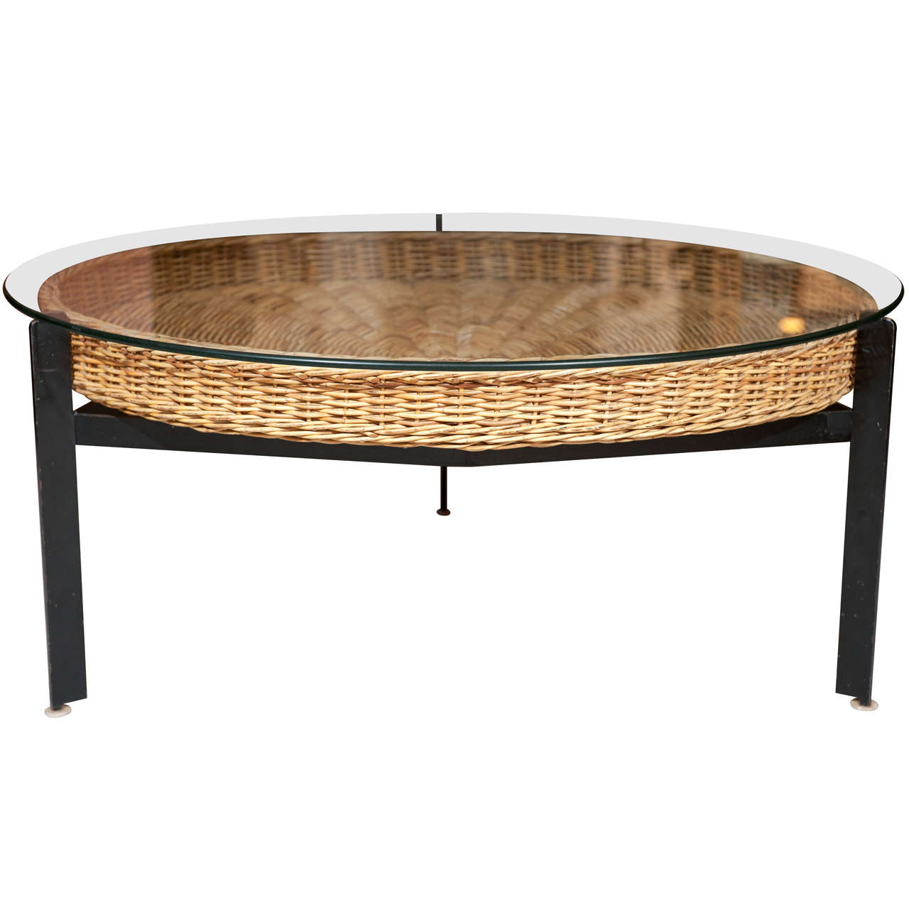 20th century basket cocktail table at 1stdibs Coffee table baskets