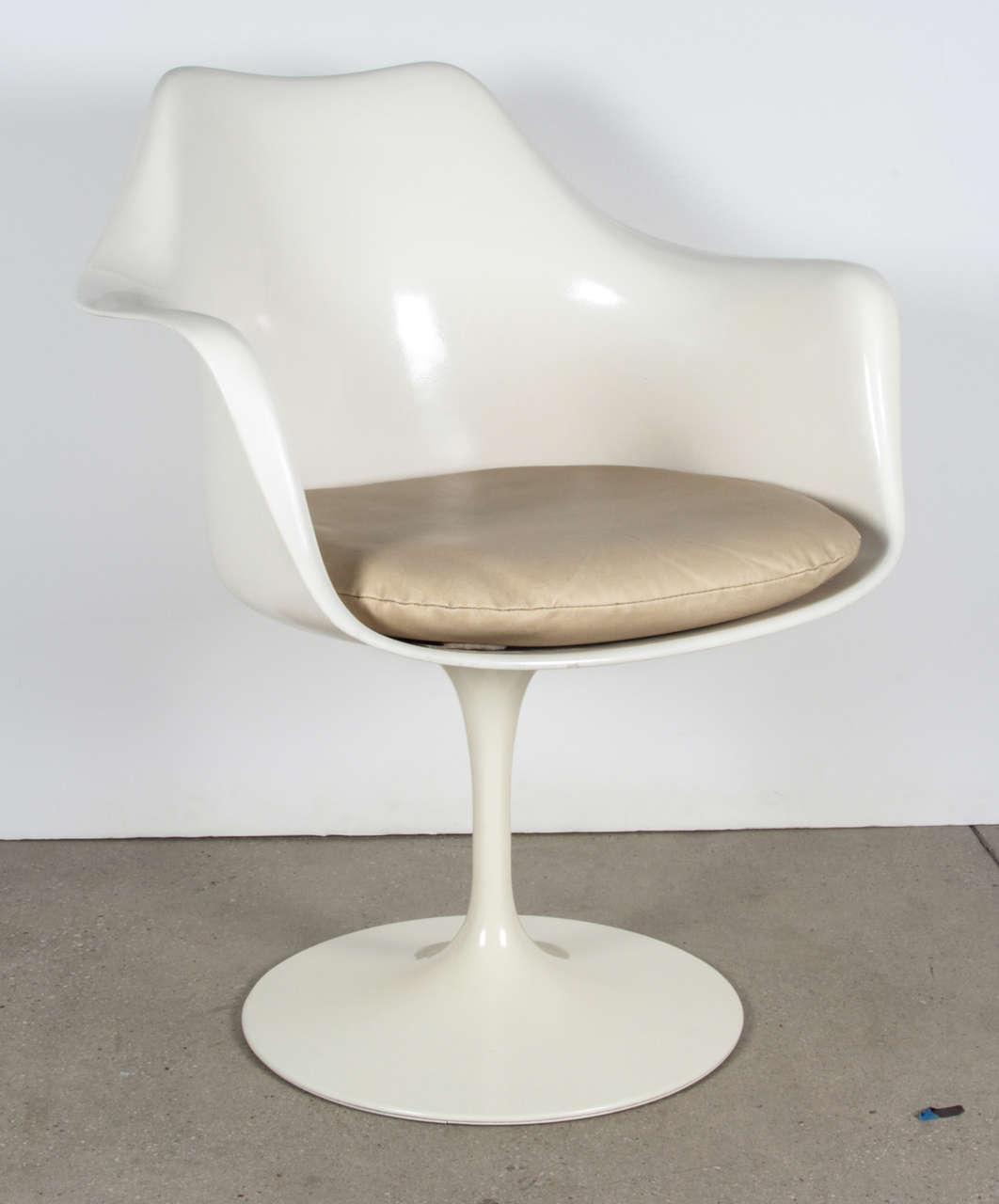 Vintage Tulip Chair By Saarinen For Knoll International
