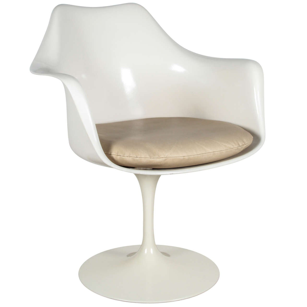 vintage tulip chair by saarinen for knoll international at 1stdibs. Black Bedroom Furniture Sets. Home Design Ideas