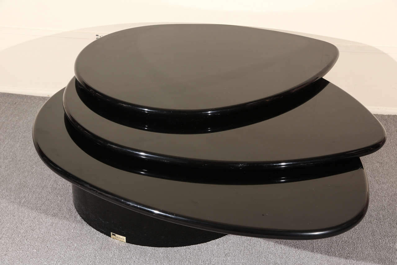 Black Lacquered Coffee table by Rougier For Sale 4