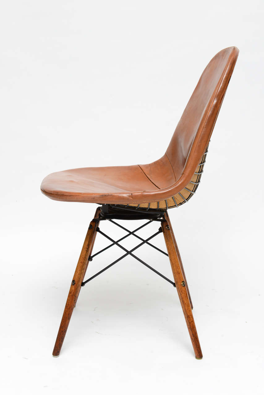 Early eiffel tower chair by charles and ray eames for for Eiffel chair de charles eames