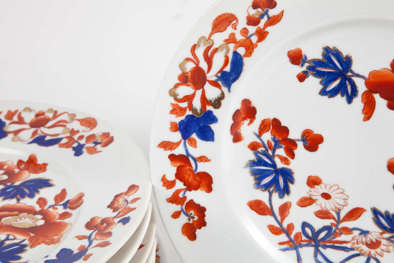 Set of Eight Chamberlain's Worcester Regent Dessert or Salad Plates In Excellent Condition For Sale In New York, NY