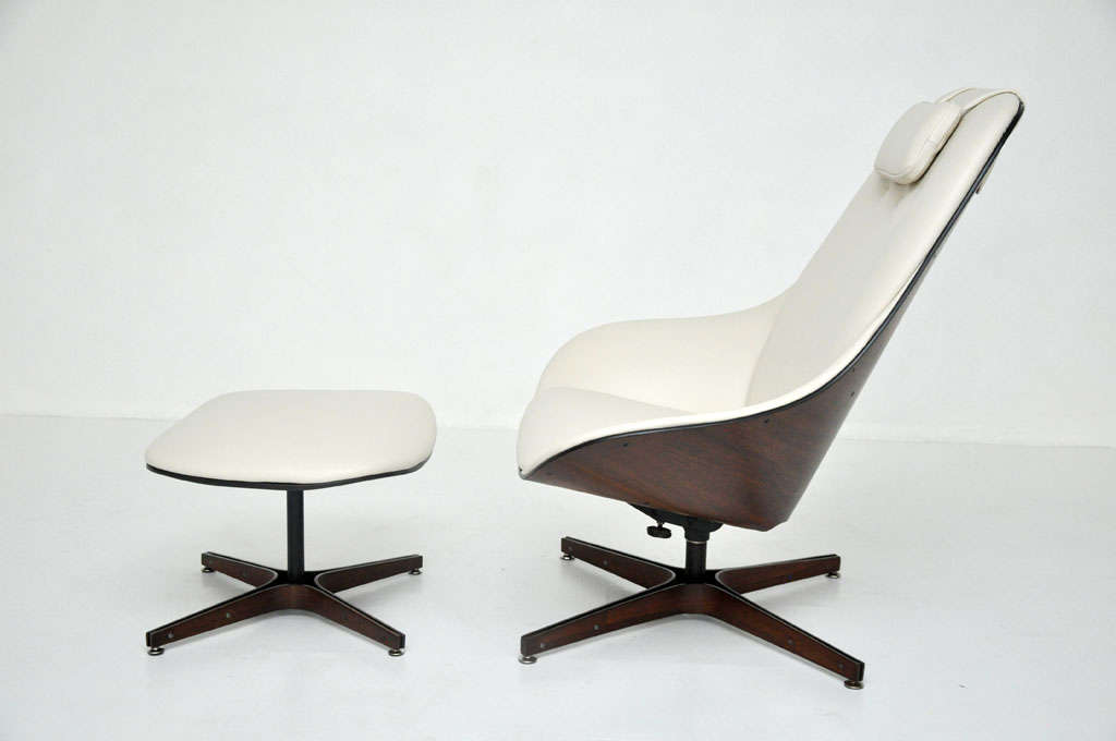 Plycraft Lounge Chair George Mulhauser at 1stdibs