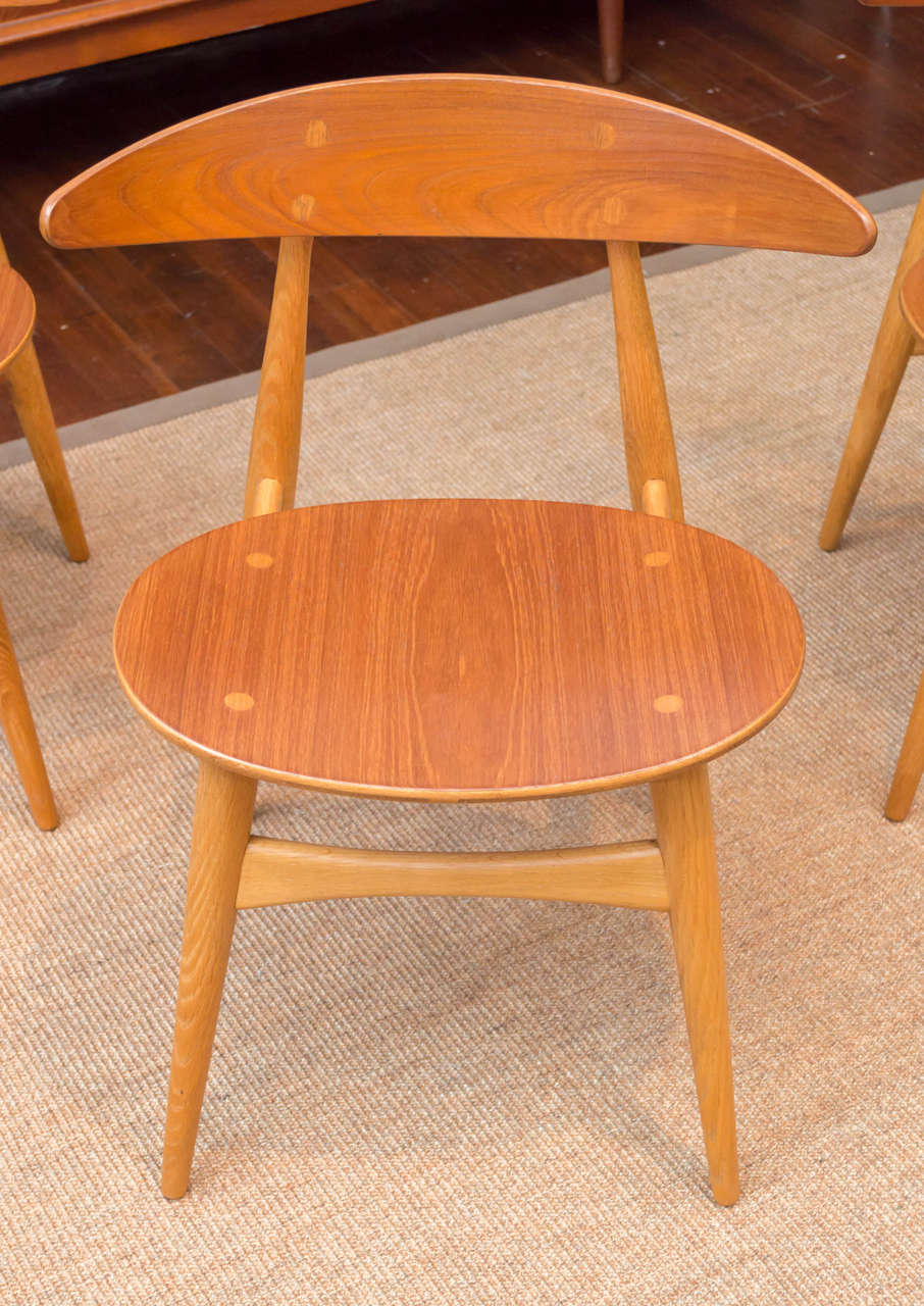 Mid-Century Modern Hans J. Wegner CH33 Dining Chairs For Sale