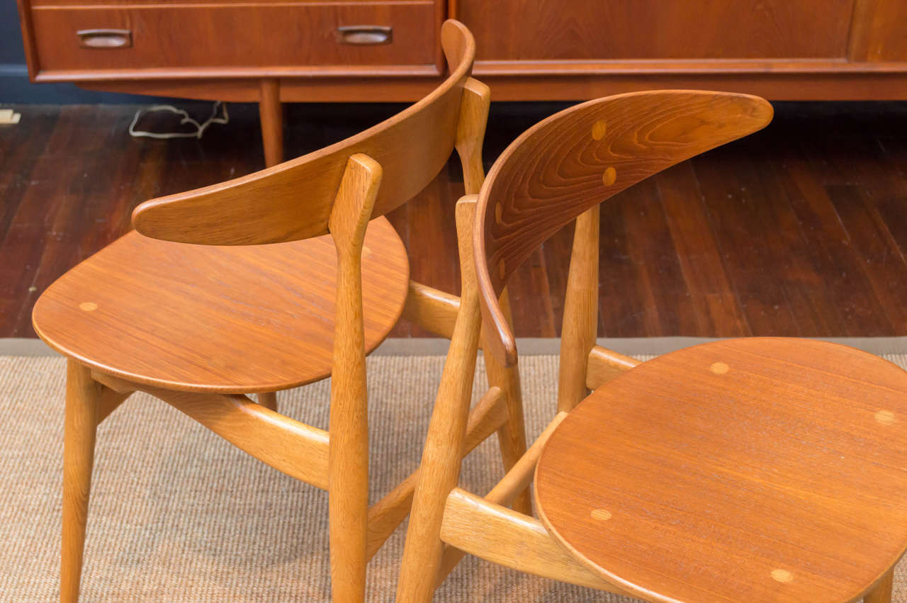 Hans J. Wegner CH33 Dining Chairs In Excellent Condition For Sale In San Francisco, CA