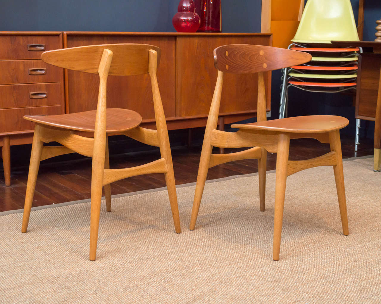 Mid-20th Century Hans J. Wegner CH33 Dining Chairs For Sale
