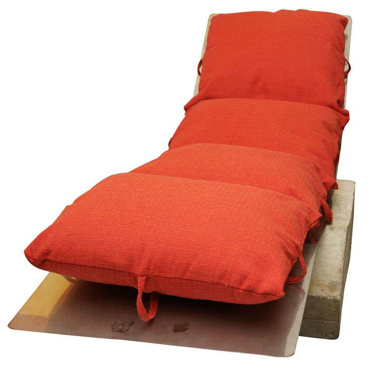 Chaise longue diapason by de lucchi and saracino for for Sofas chaise longue de piel