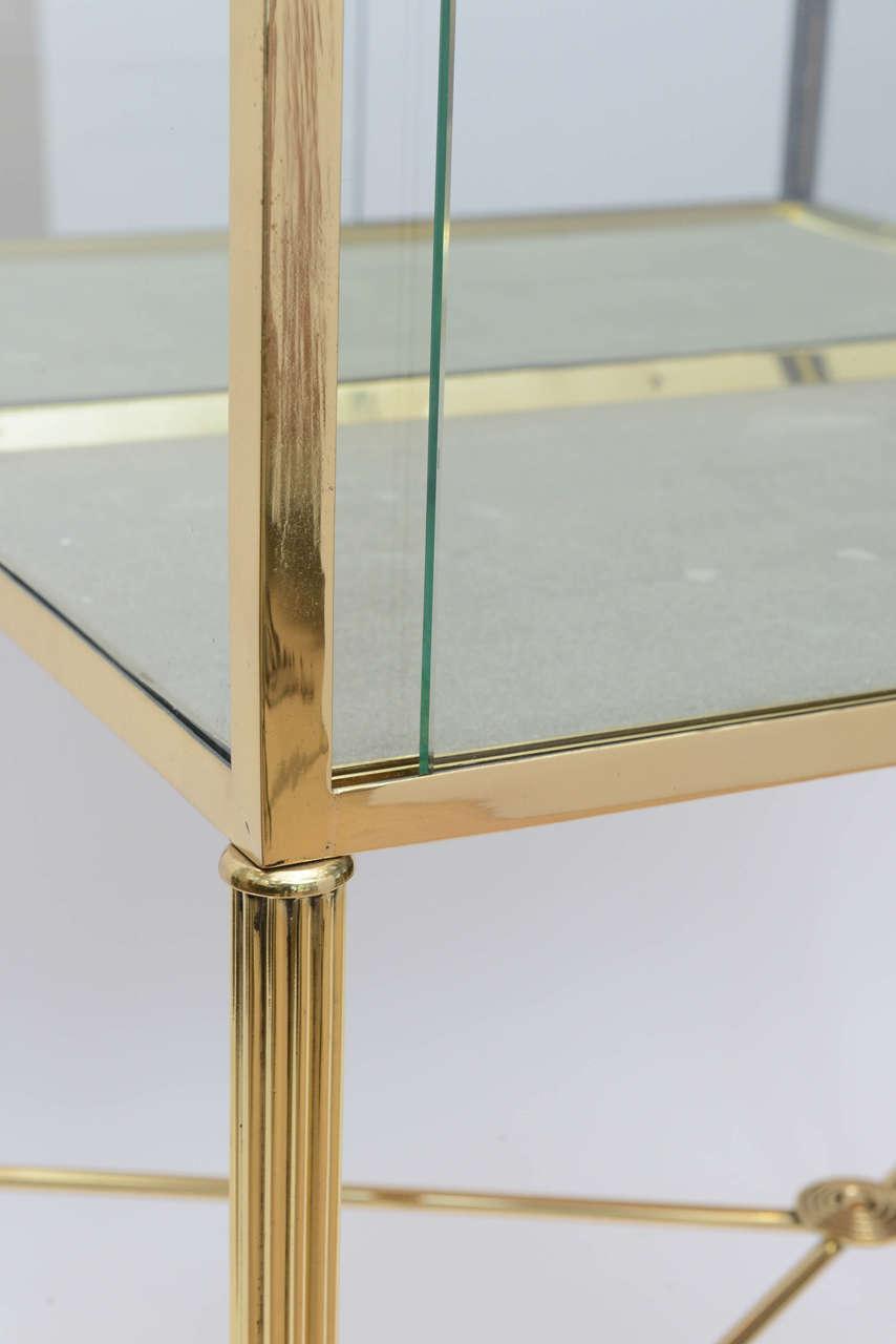 Brass and Glass Vitrine in the Manner of Osvaldo Borsani For Sale 1