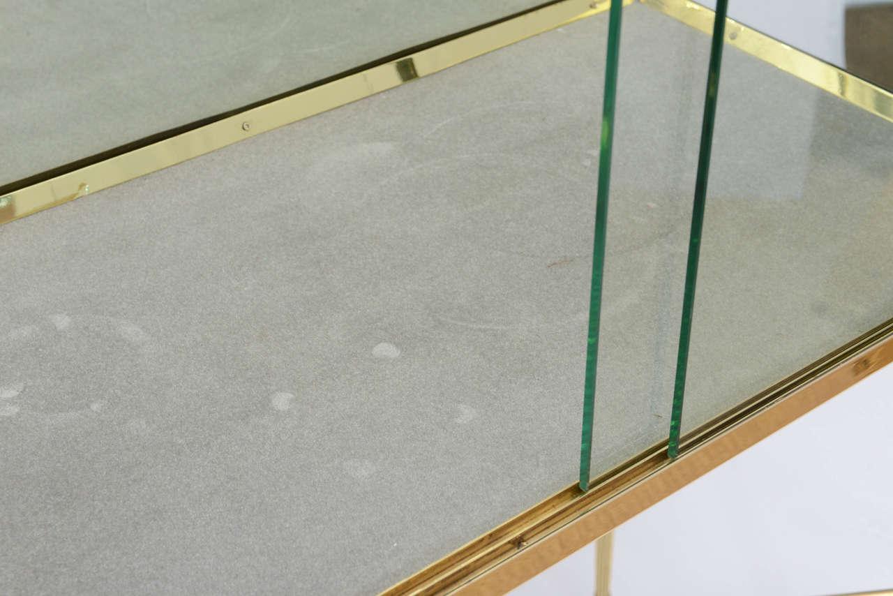Brass and Glass Vitrine in the Manner of Osvaldo Borsani For Sale 2