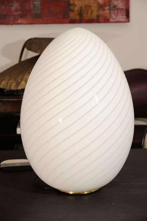Swirled Murano Glass Egg Lamp 2