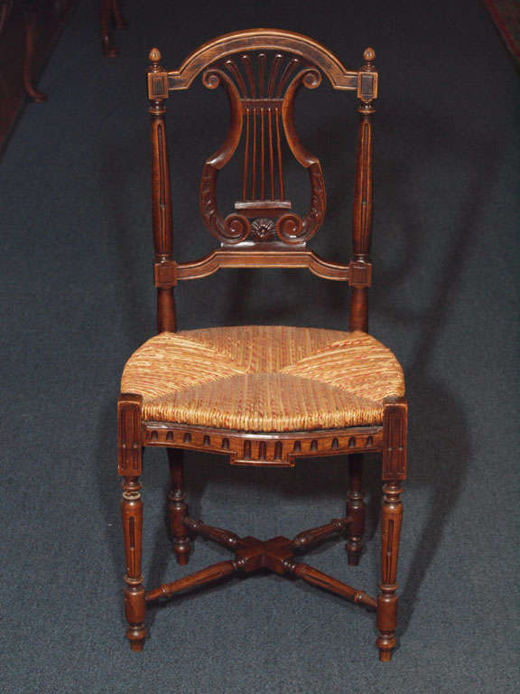 Set of 8 Antique French Country Dining Room Chairs In Excellent Condition In New Orleans, LA