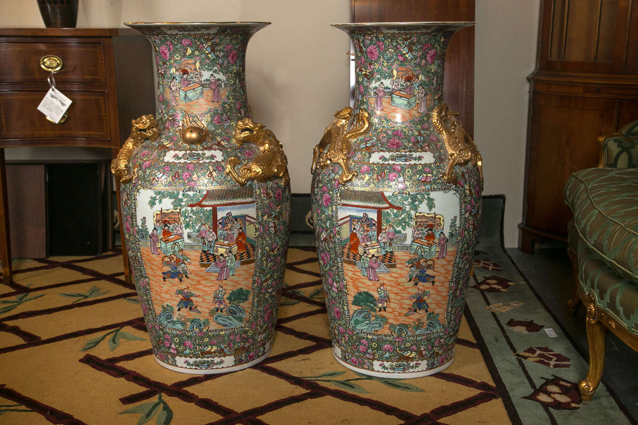 Palatial Pair of Rose Medallion Export Chinese Vases 2