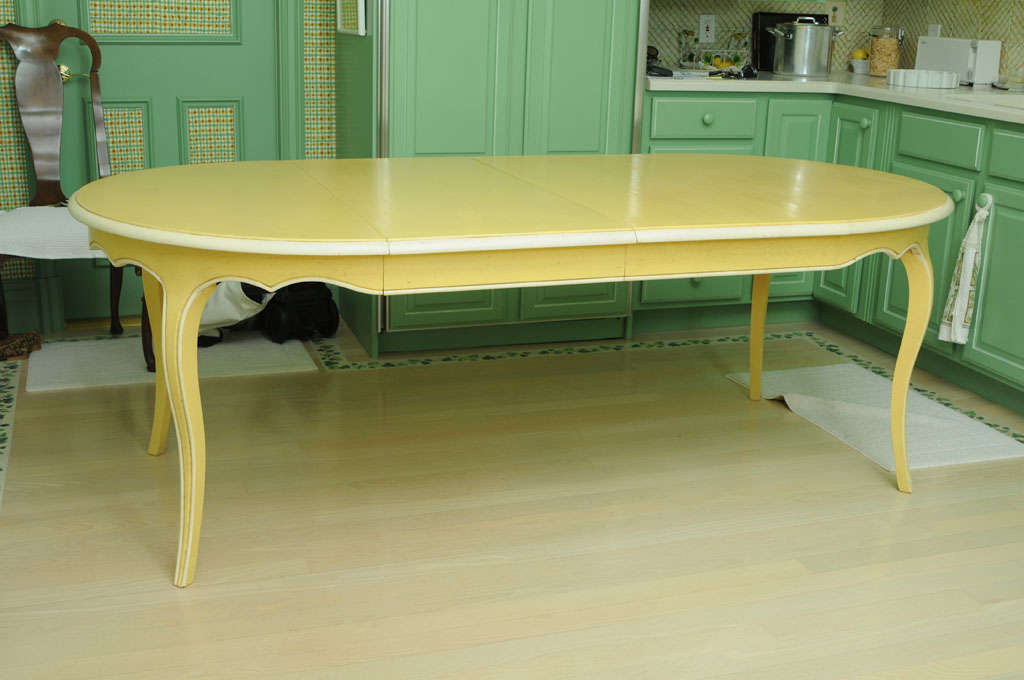 French Provencal Painted Oak Dining Table with Two Leaves In Excellent Condition In West Palm Beach, FL