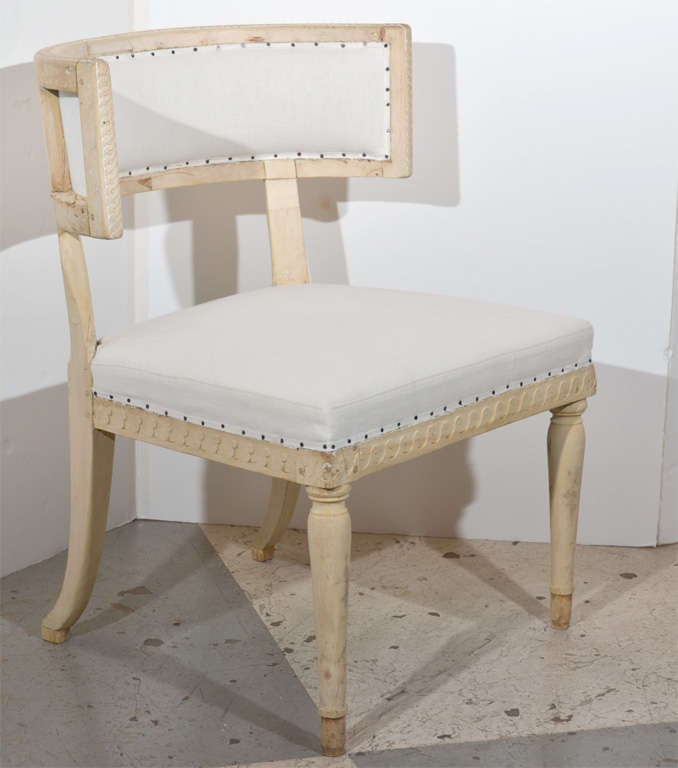 Swedish Gustavian Klismos Chairs In Good Condition For Sale In Houston, TX