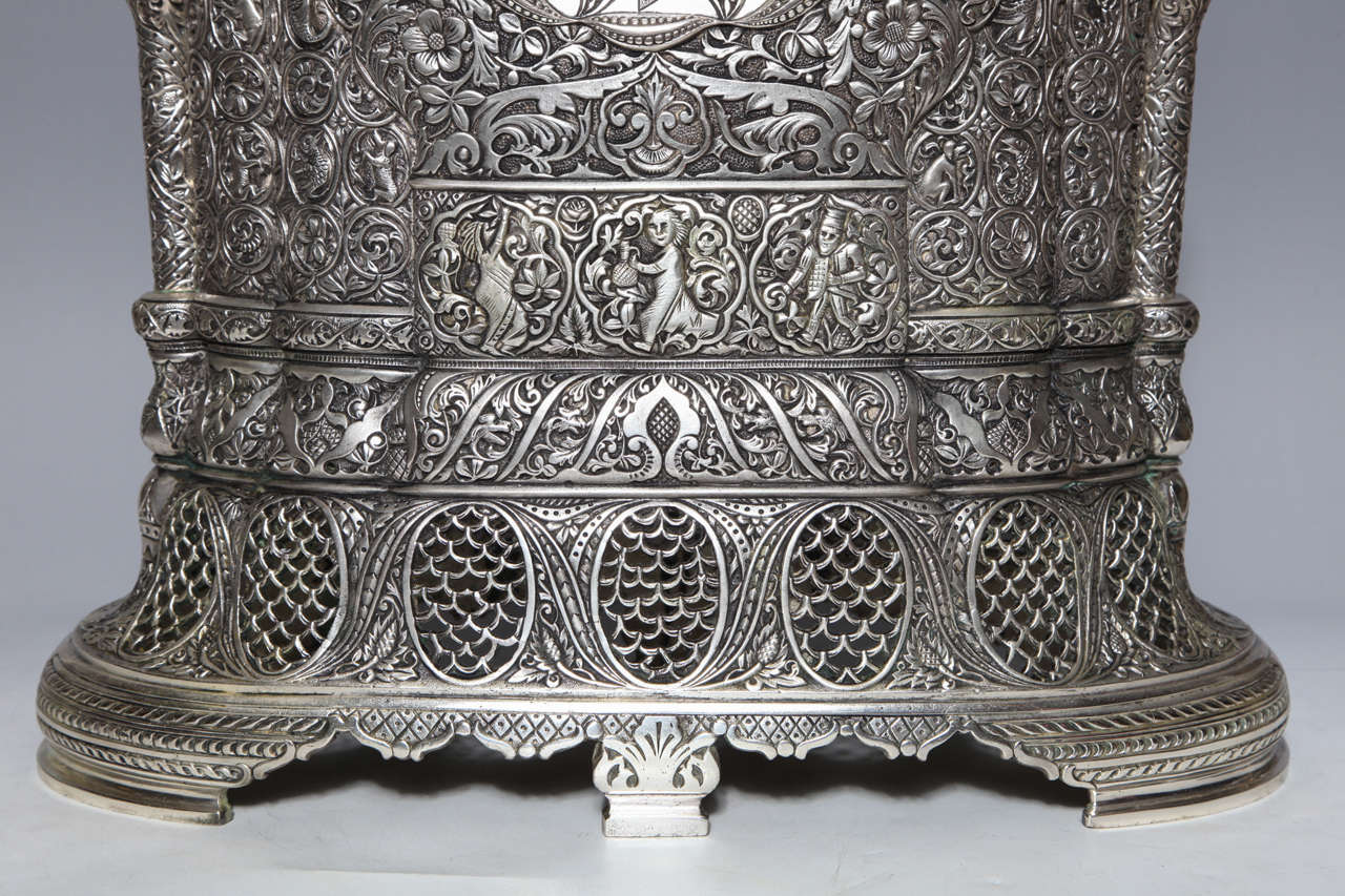 Antique French Orientalist/Islamic 3-Piece Silvered Bronze Clock Garniture In Good Condition For Sale In New York, NY