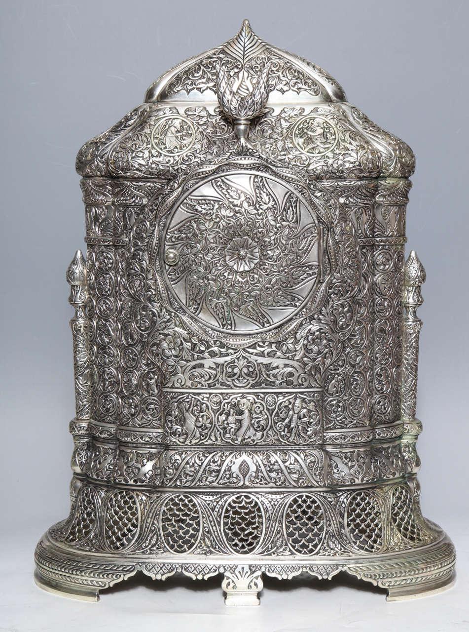 Antique French Orientalist/Islamic 3-Piece Silvered Bronze Clock Garniture For Sale 2