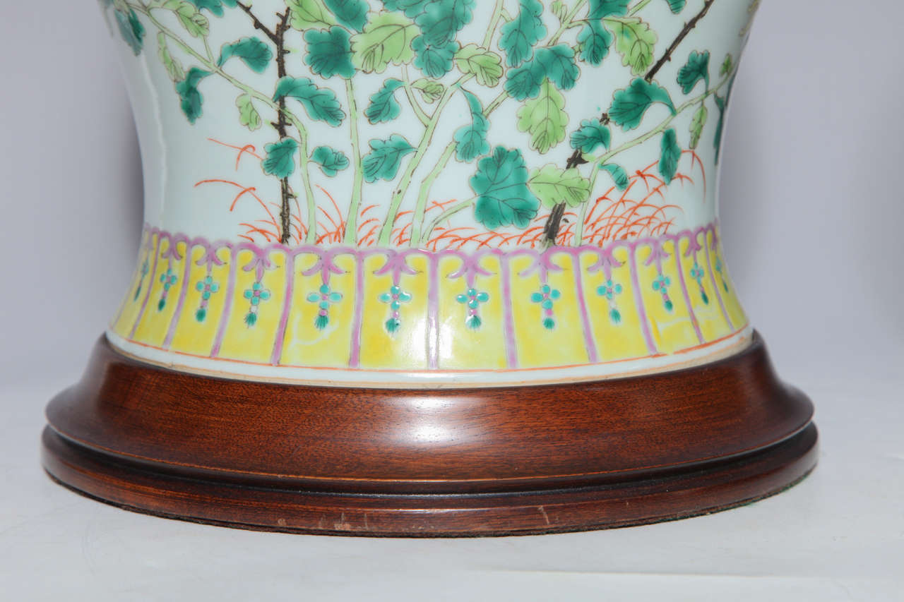 Pair of 19th Century Chinese Porcelain Ginger Jars Converted into Table Lamps For Sale 1