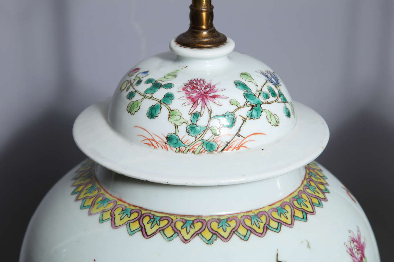 Pair of 19th Century Chinese Porcelain Ginger Jars Converted into Table Lamps For Sale 2