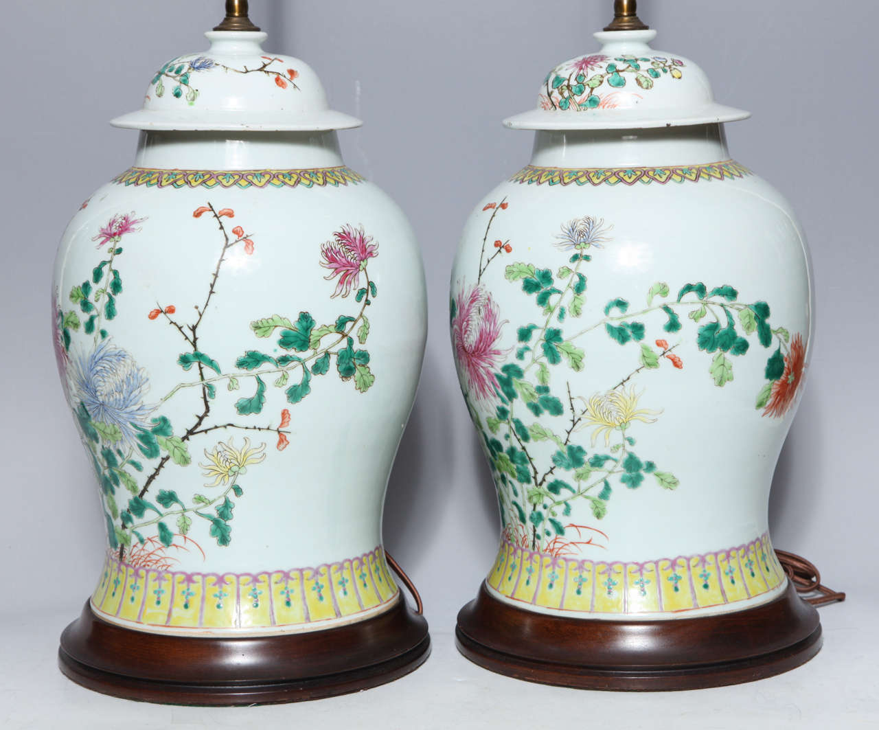 Pair of 19th Century Chinese Porcelain Ginger Jars Converted into Table Lamps For Sale 3