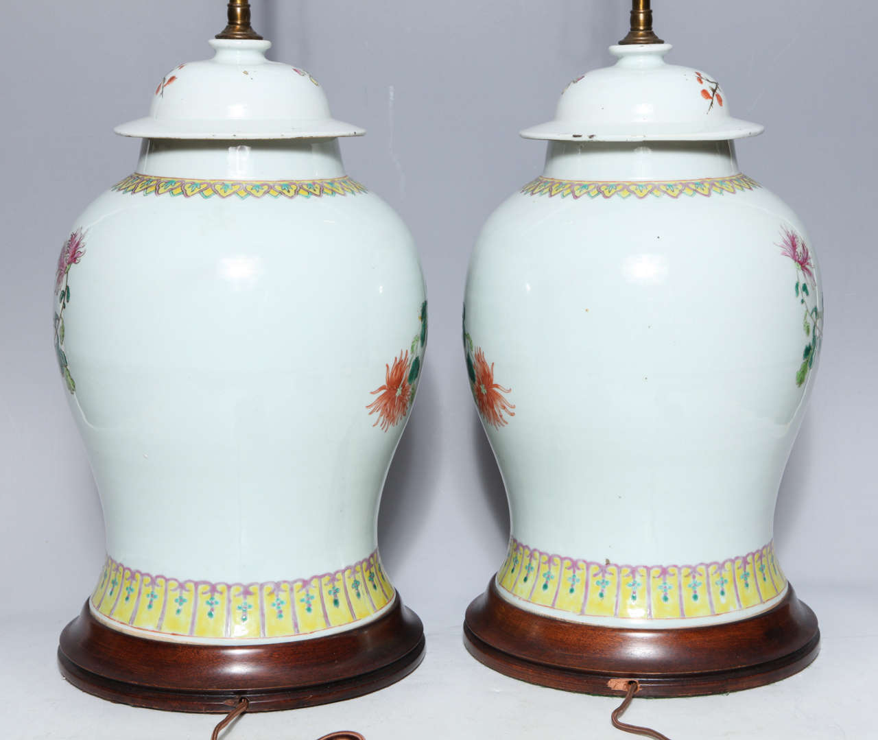 Pair of 19th Century Chinese Porcelain Ginger Jars Converted into Table Lamps For Sale 4