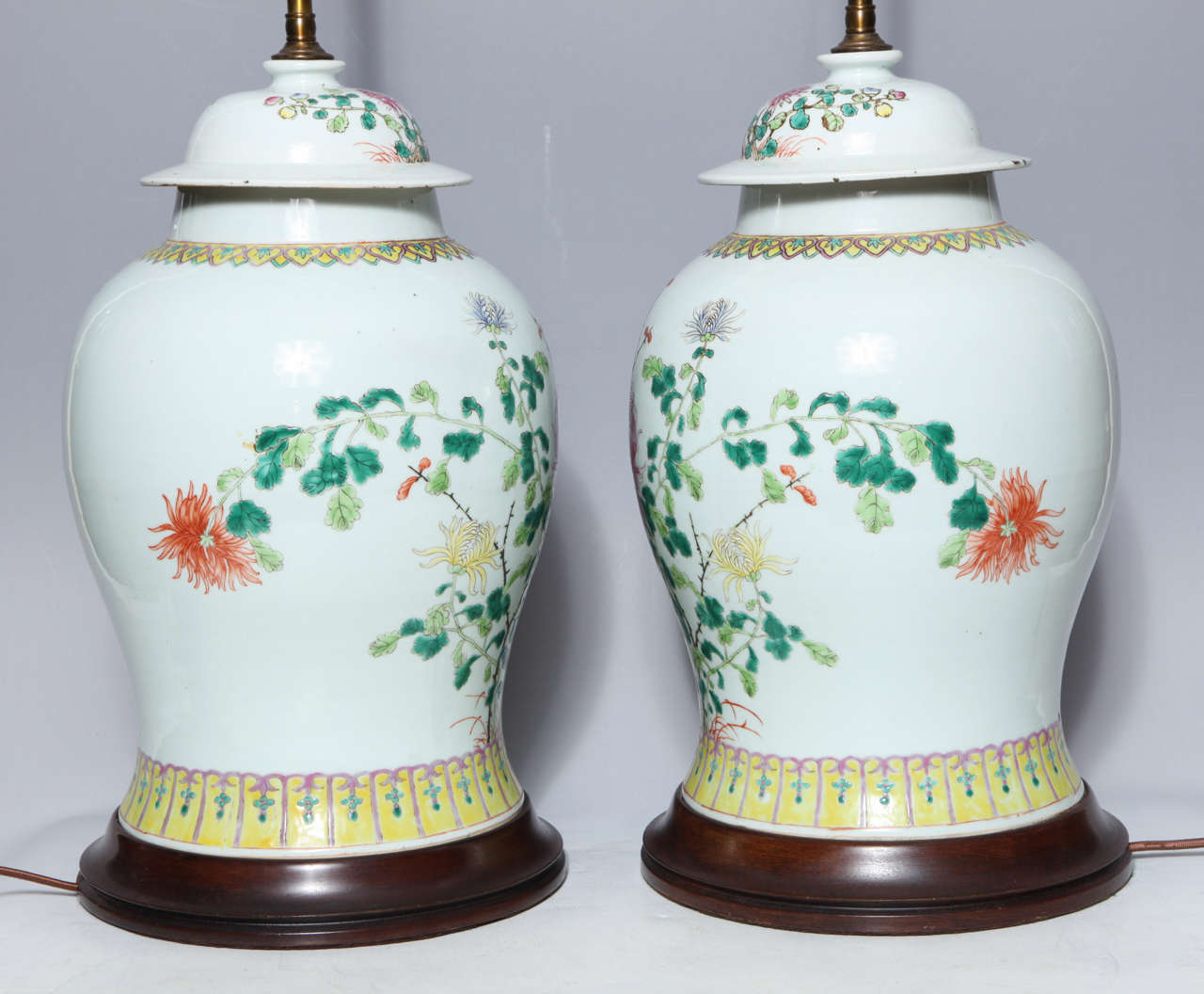 Pair of 19th Century Chinese Porcelain Ginger Jars Converted into Table Lamps For Sale 5