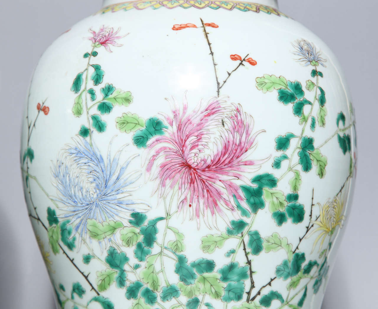 Pair of 19th Century Chinese Porcelain Ginger Jars Converted into Table Lamps For Sale 6