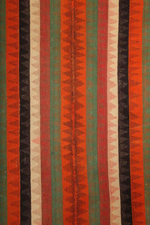Hand-Woven 1920 Persian Jajim Carpet in Pure Handspun Wool and Organic Vegetal Dyes For Sale