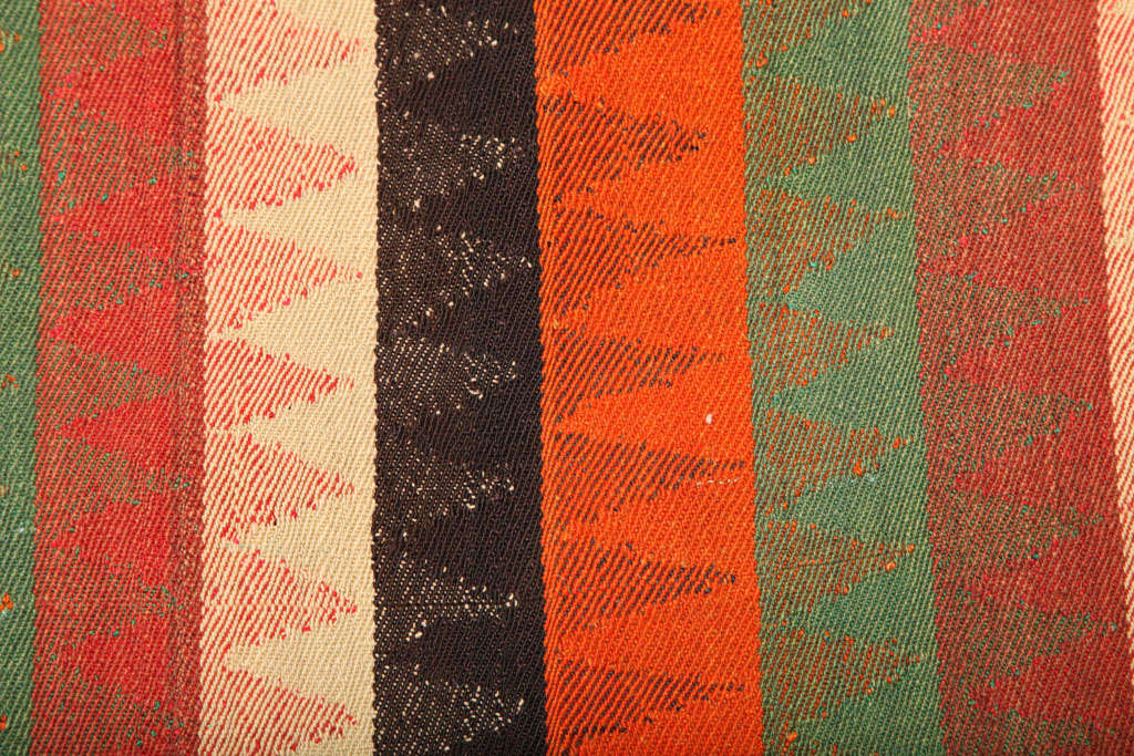 1920 Persian Jajim Carpet in Pure Handspun Wool and Organic Vegetal Dyes For Sale 1