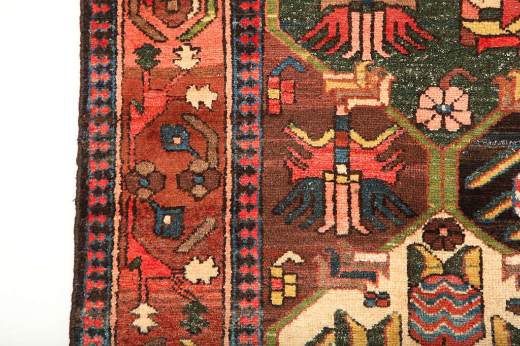 1920 Feredan Village Bakhtiari Rug with Hand-Knotted Wool Pile and Organic Dyes In Excellent Condition For Sale In New York, NY