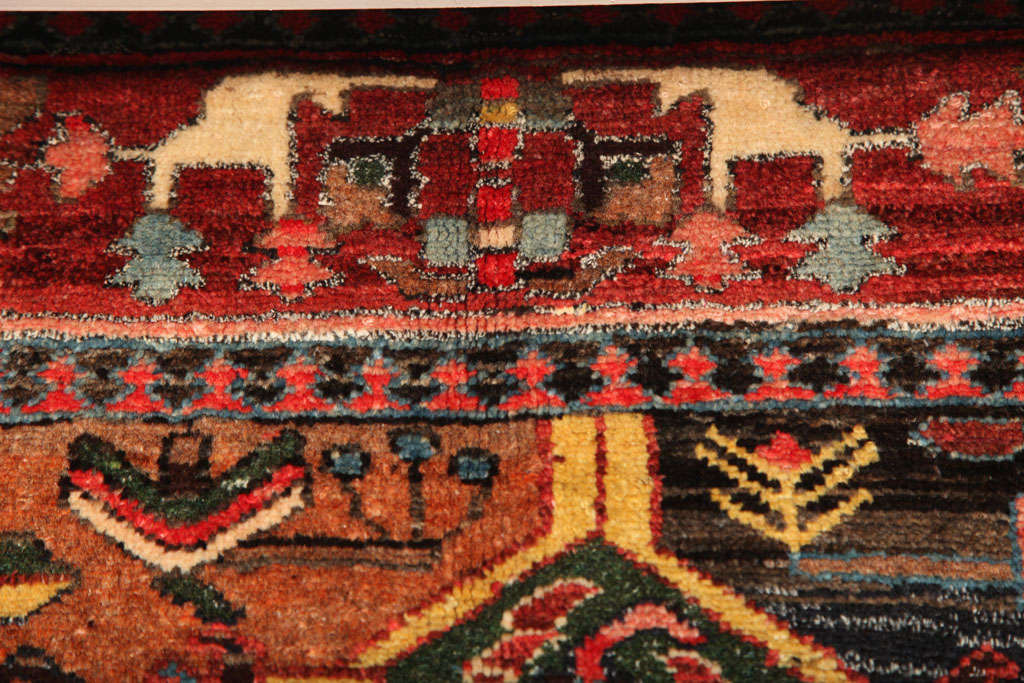 1920 Feredan Village Bakhtiari Rug with Hand-Knotted Wool Pile and Organic Dyes For Sale 4